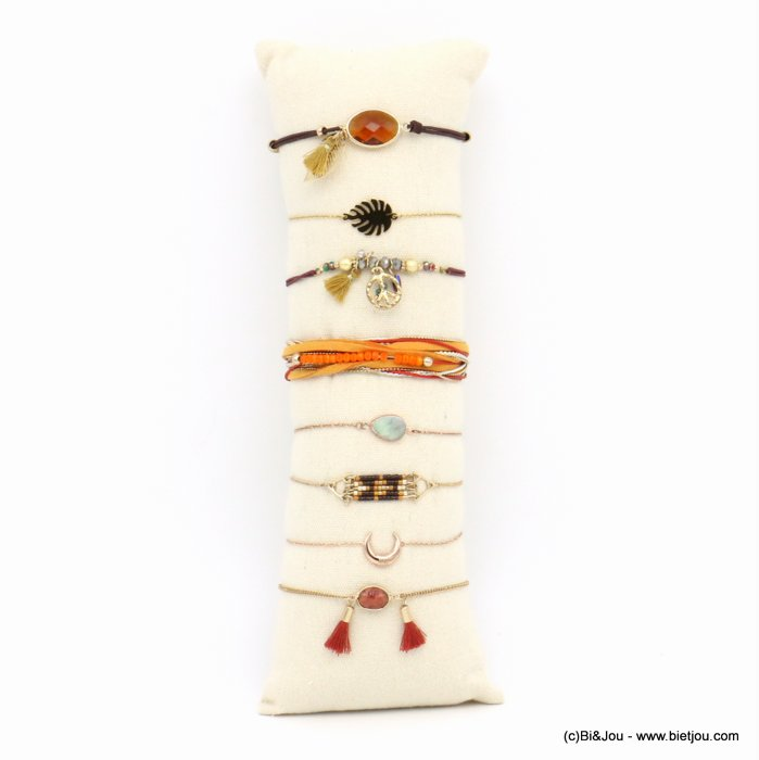 bracelet 0219158-11 8pcs + pillow display