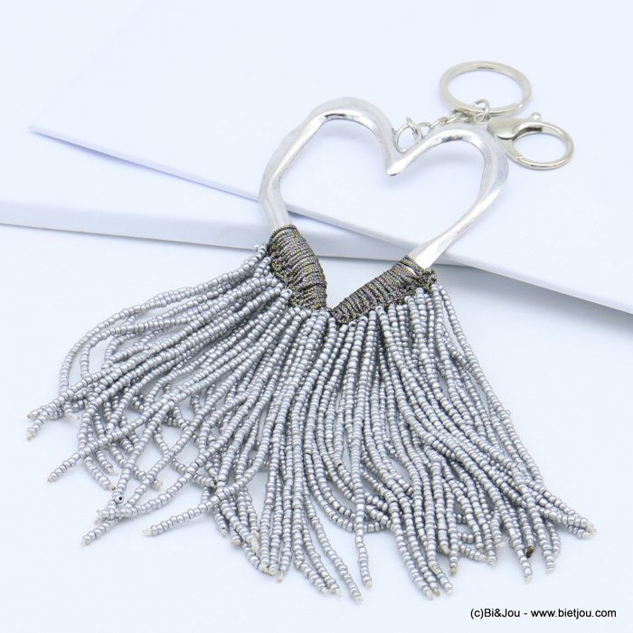 handbag key holder 0819022-26 hammered heart shape, braided wire, multiple rows of pearls